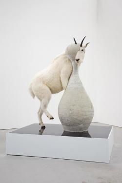Christian Dior - J'adore (Mountain Goat) (2 views and 1 detail)